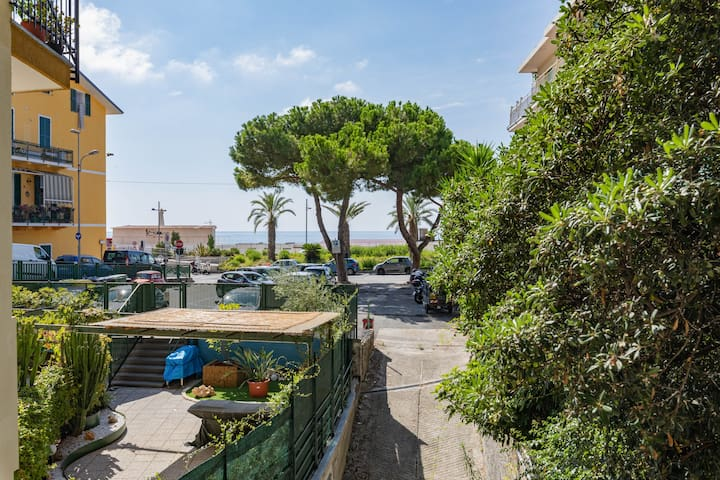 Beachfront accommodation Ospedaletti Liguria