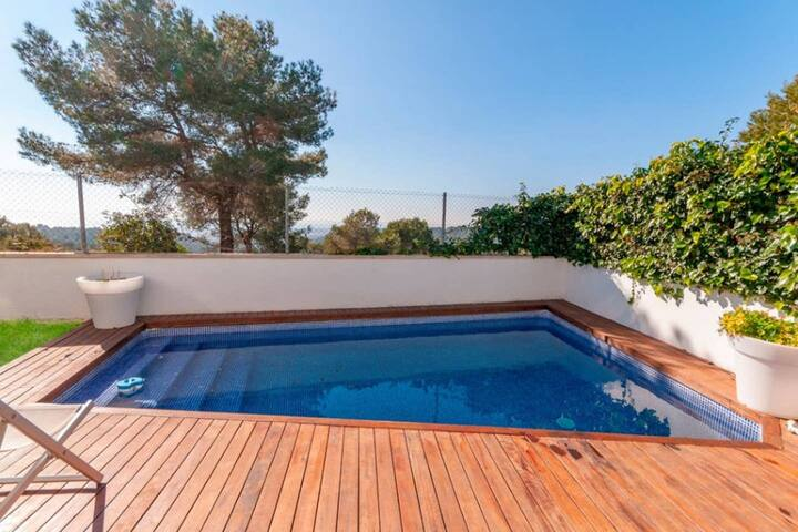 Villa with 4 bedrooms in Canyelles, with wonderful sea view, private pool, furnished terrace - 9 km from the beach
