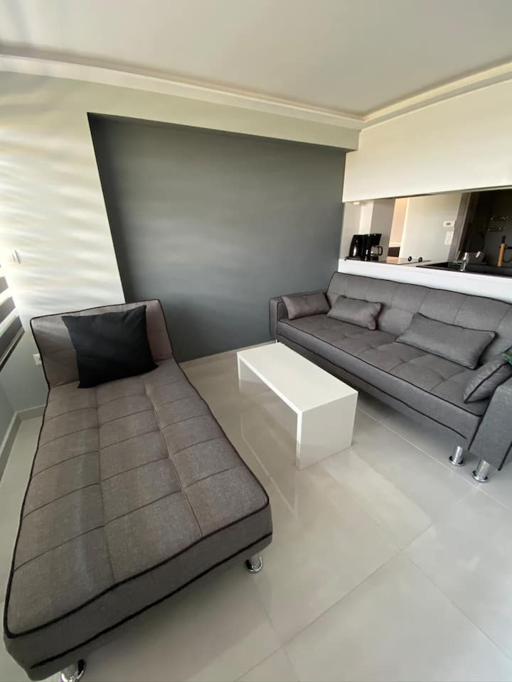 A  minimal apartment with incredible sea views!!!