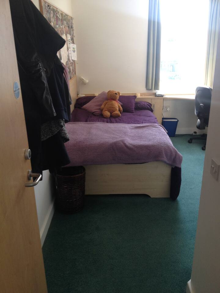 Comfy room close to Central Manchester
