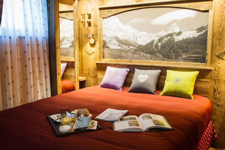 4 Luxe rooms in newly build chalet in Center - Breuil-Cervinia - House