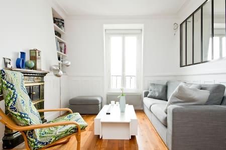 1 bdr flat near Montmartre/Martyrs