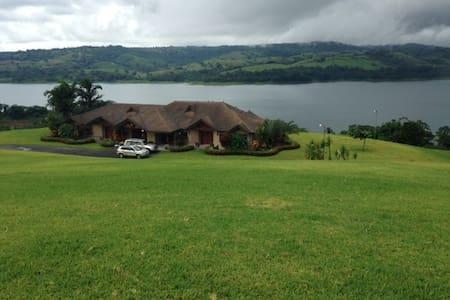 Beautiful Tilaran Mansion - Río Chiquito - House