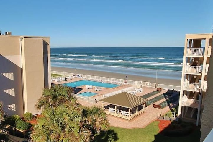 2 bed, 2 bath condo on the beach