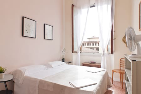 Hostel-Private room- Center II - Florence - Apartmen