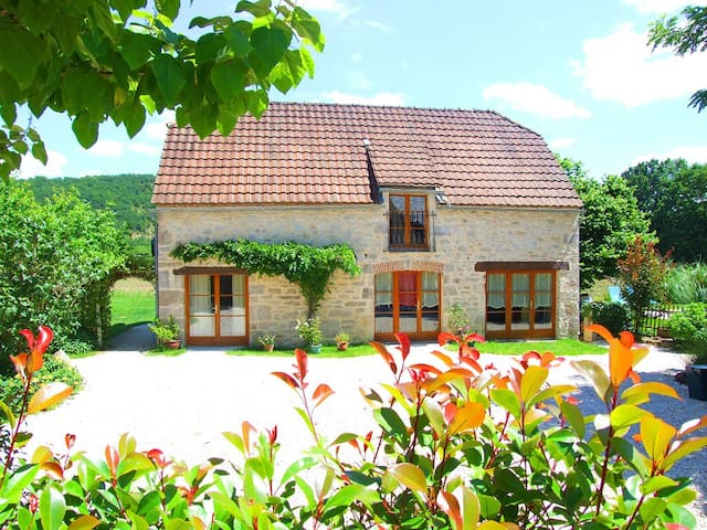 Laborie Barn, sleeps 4,+pool - Meyronne - Huis