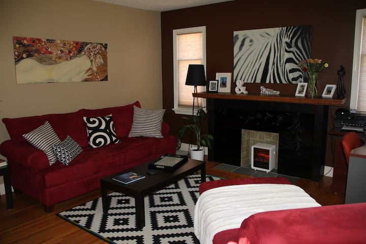 Cozy & Close to City Center - Calgary - Bed & Breakfast