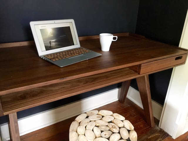 Convenient in-room work station