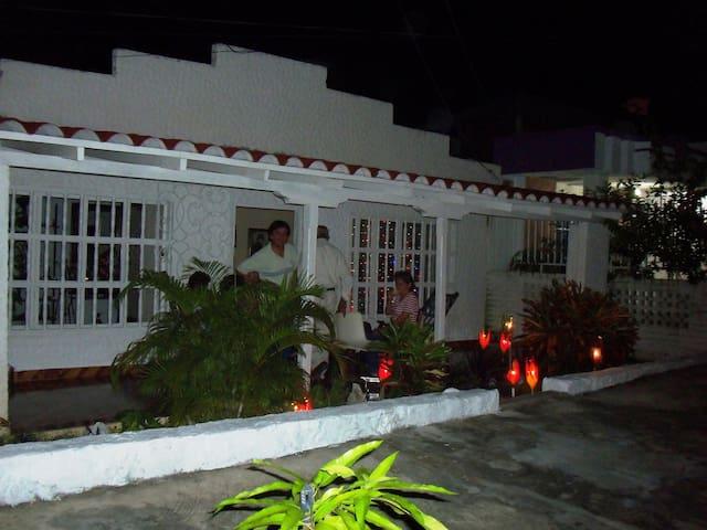HABITACION EN CASA CAMPESTRE - Puerto Colombia - Ev