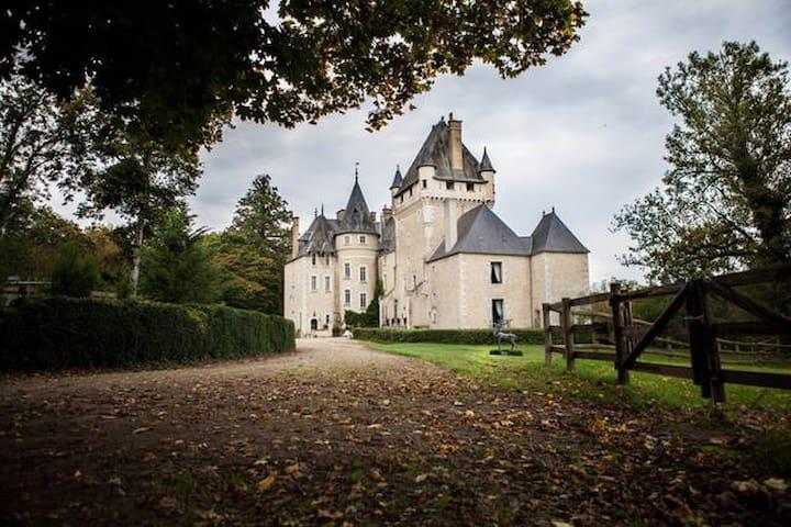 """The Castle """"de la Tour""""  The Room of the Queen"""