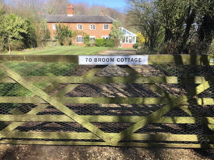 Tranquil Country Cottage Two Miles from Orford