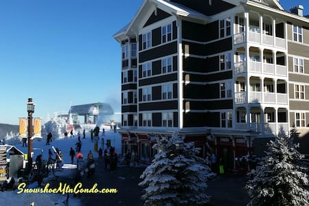 top floor top class studio ski in and out location - Snowshoe