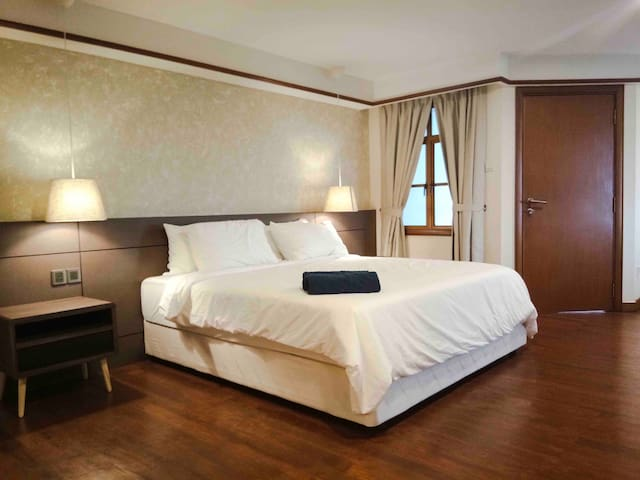 Lexis Port Dickson Airplan Suite 5 - Up to 6 Pax