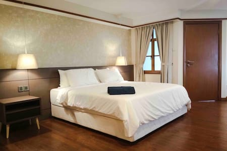 Lexis Port Dickson Airplan Suite 5 - Up to 5 Pax