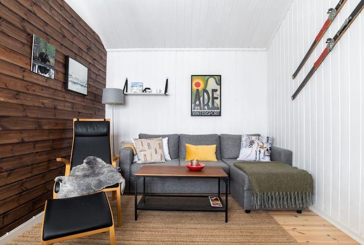 Peaceful Cottage Apartment w/ Parking & Sauna