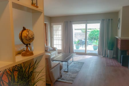 Comfy house near LAX with cozy Patio