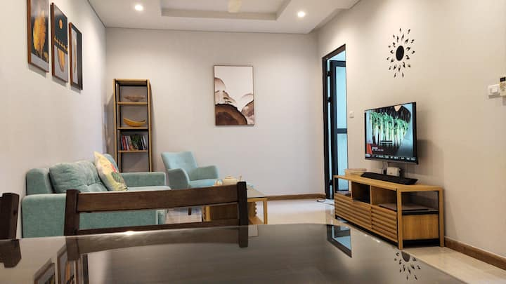 A stunning Bay view 1-bedroom apartment in Ha Long
