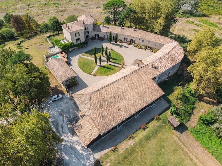 Gîte au château d'Auros