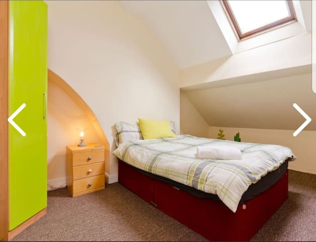 THE BARNES KING SIZE - CLOSE TO ANFIELD AND CITY