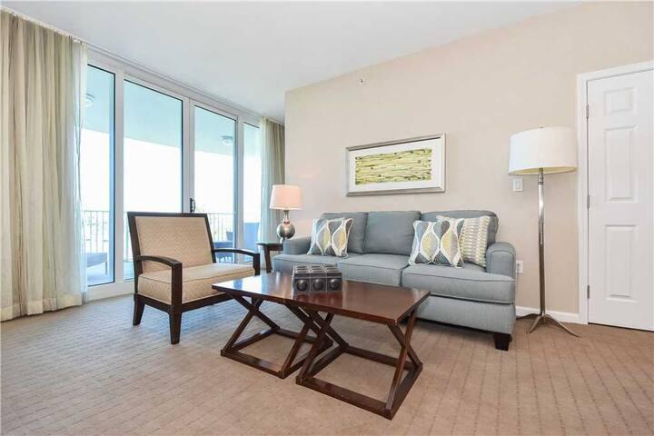Open-concept resort condo w/inviting private balcony!
