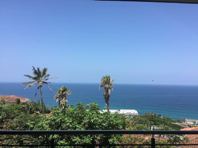 180 Degree Sea Views - Great Location - Dolphin Coast - Flat