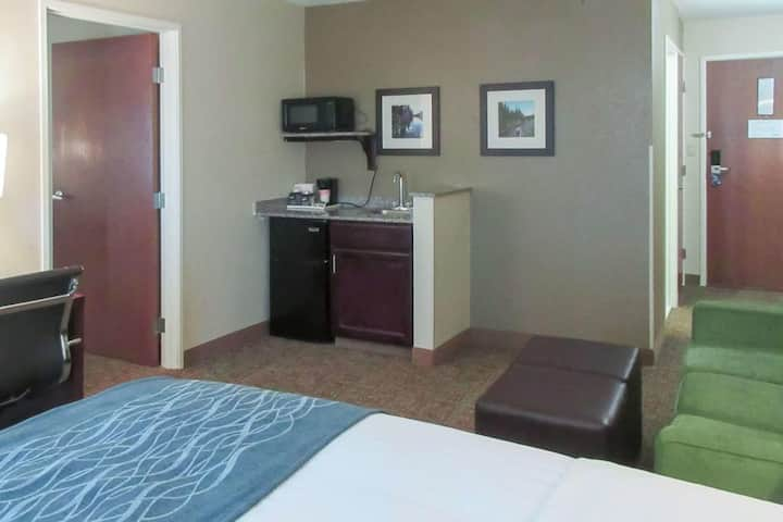 Enjoyable Double Bed Non Smoking At Pueblo Area