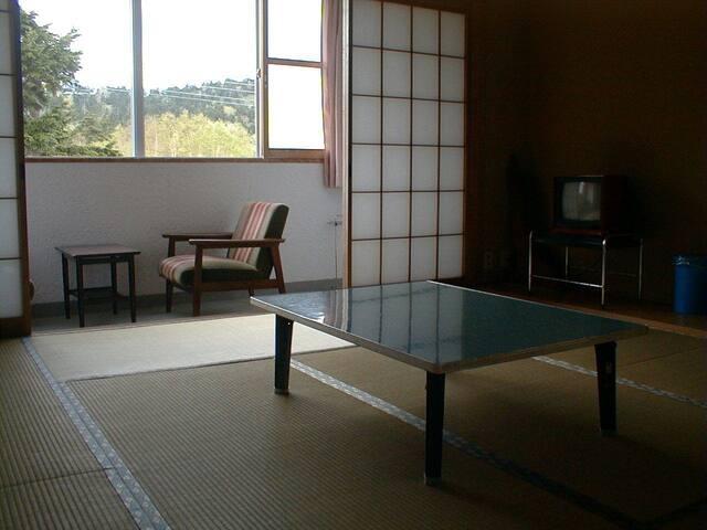 横手 山本荘 和室(8畳 1泊2食付きプラン