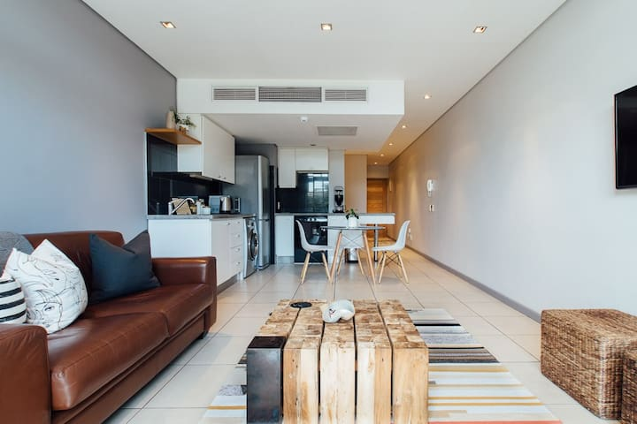 Luxury Studio walking distance to CTICC and V&A