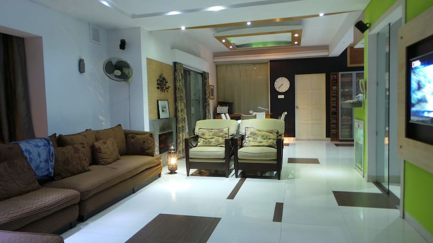 European style luxury apt in Banani - Dhaka