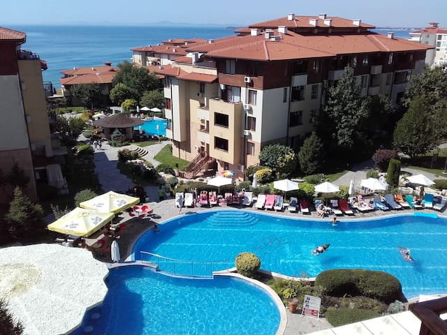 Sea view one-bed apartment in Sveti Vlas, Bulgaria