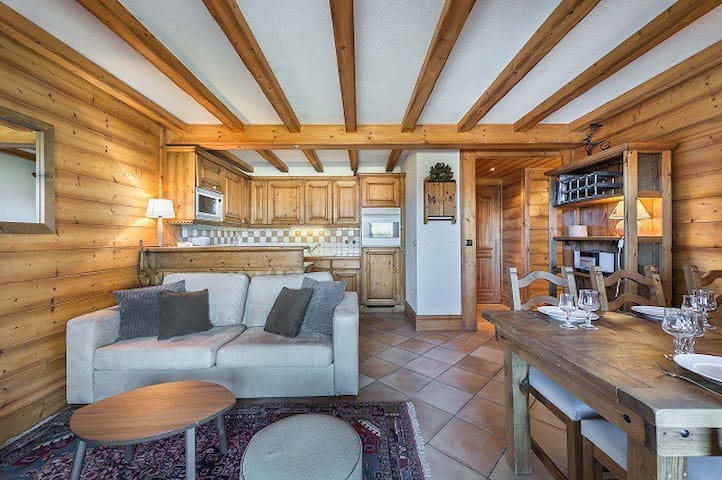 "Balcon de Pralong B10: 60 sqm apartment. Courchevel Label: ""CHARMING MOUNTAIN"""