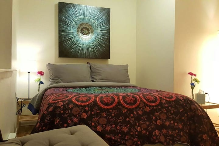 Mandala Room 10 min walk to downtown
