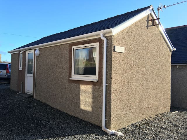 Charming studio-style cottage! - Stornoway