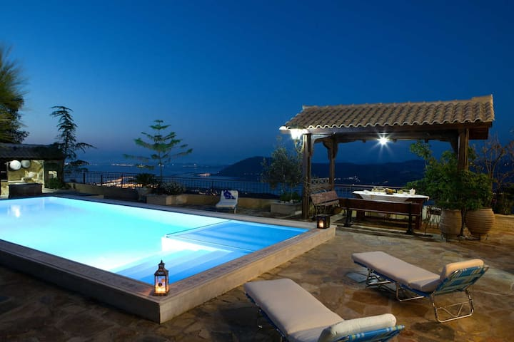 Traditional Villa Senecio with spectacular view! - Levkas