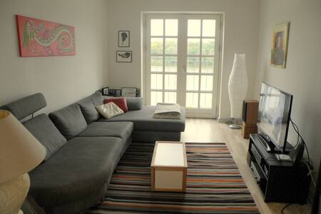Skøn udsigt over Gråsten Slotssø - Graasten - Apartment