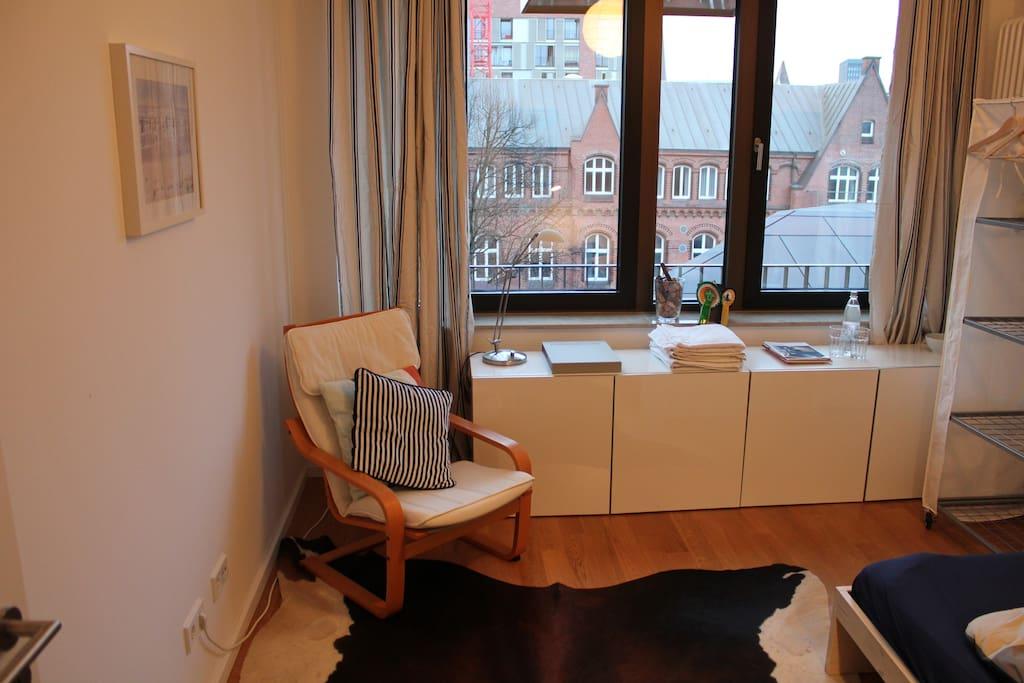 Modern shared apt at Hafen City