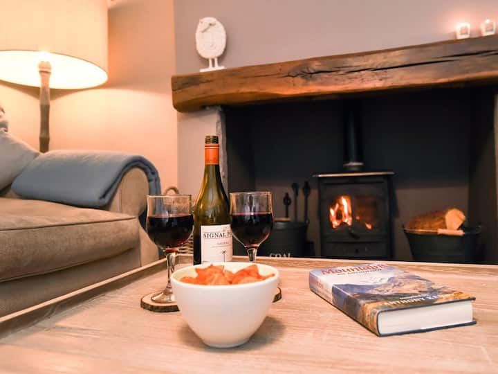 Sett Cottage - a boutique holiday cottage
