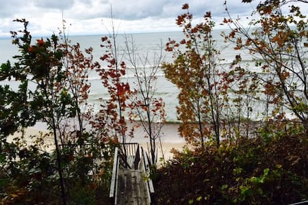 Private Beach and Bungalow on Lake - Port Colborne
