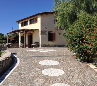 Gizia, elegant villa sea view  on Gaeta Gulf - Gaeta - Villa
