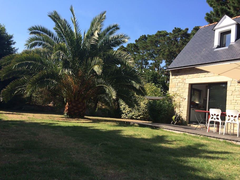 Charmante maison plein sud et calme maisons louer for Jardin 700m2
