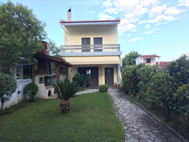 Villa Vasiliki Achladi near the sea