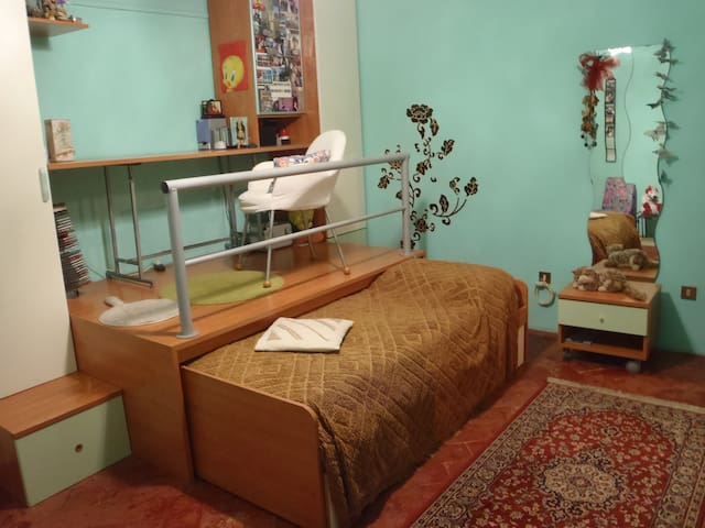 green room in porcari city - Porcari - Rumah