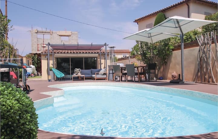 Beautiful home in Les Angles Font d'Irac with WiFi, Outdoor swimming pool and 1 Bedrooms