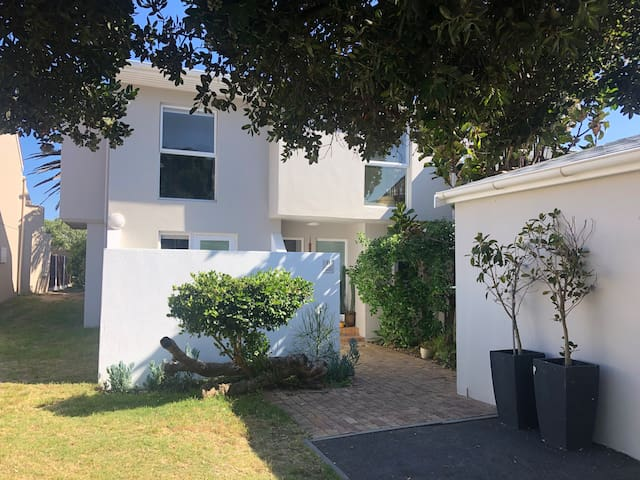 Beautiful sea side family home with large garden.