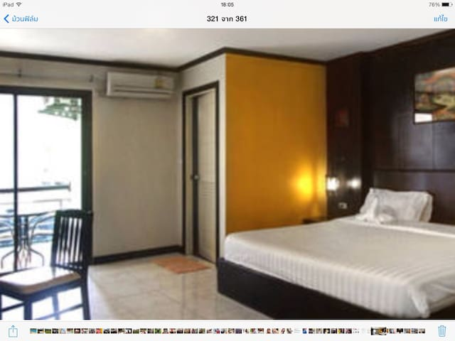 Double room with balcony and near the beach 03