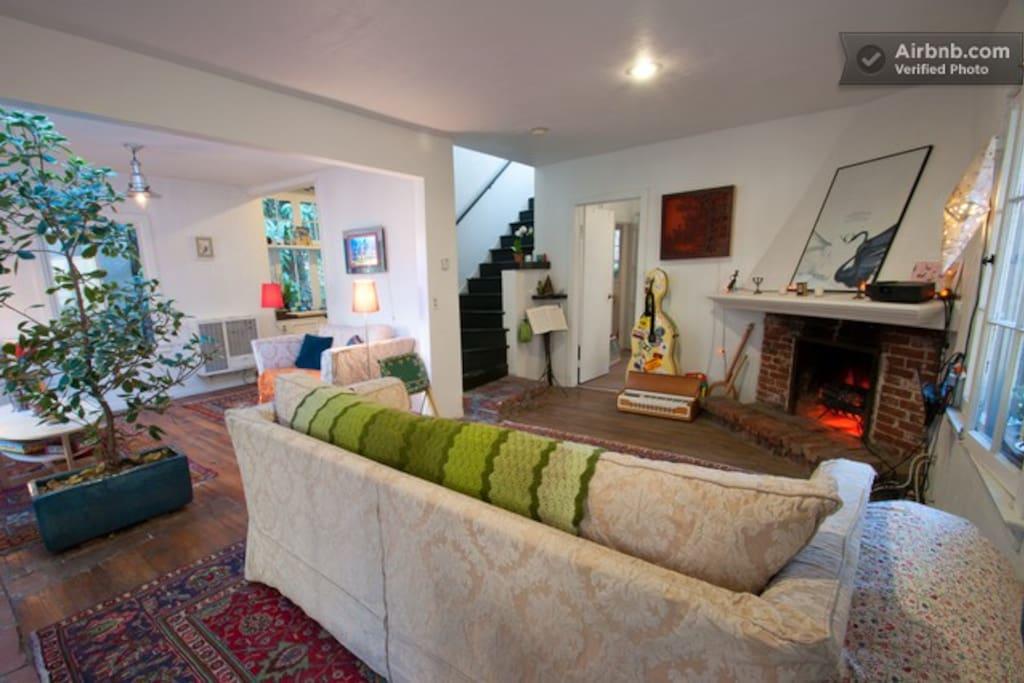 Vintage 2-story Hollywood Cottage