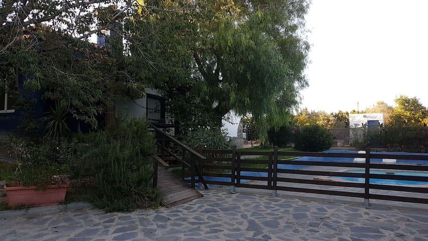 Casa Hidra, casa azul rural
