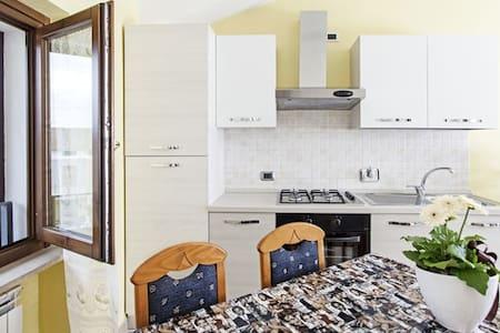 Accogliente appartamento ad Assisi - Rivotorto - Byt