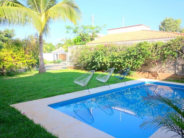 A 1 cuadra de Playa Carrizalillo, Casa