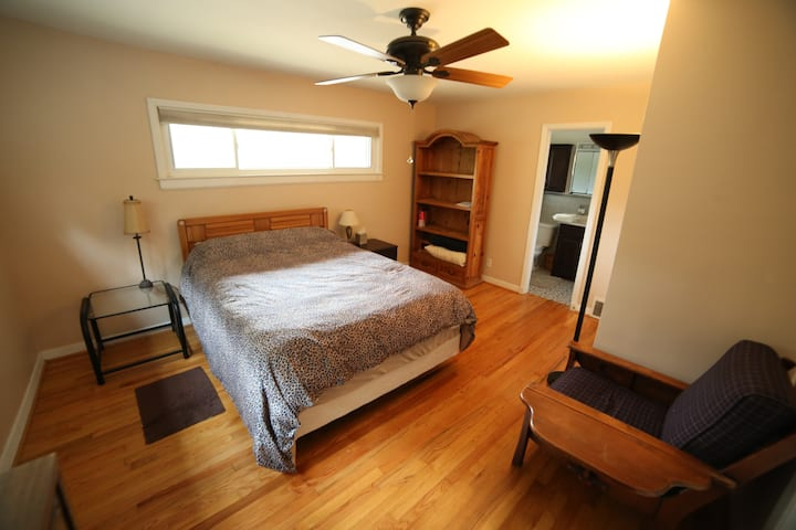 Comfy Main Suite w pool close to Duke/downtown/RTP